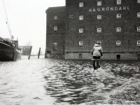 Hochwasser im Buxtehuder Hafen in der Zeit vor 1958